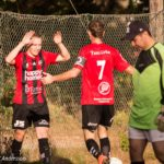 Jacob gratuleras av 'Degen' efter sitt 3-0-mål